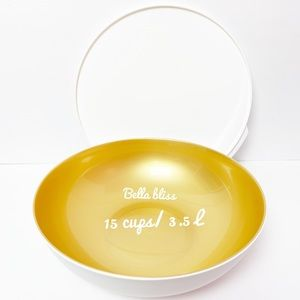 New !!  Tupperware chic dining bowl